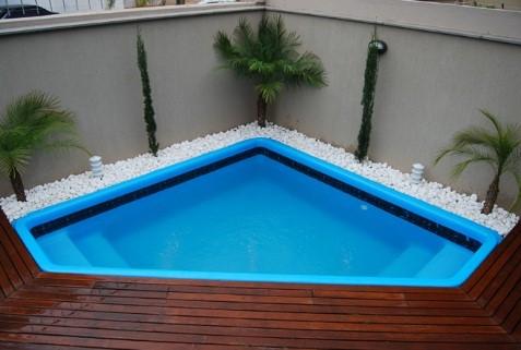 Quanto custa uma piscina fibra